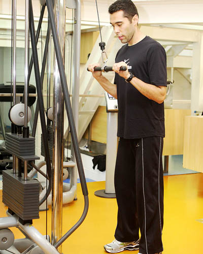 Treino A: tríceps no pulley