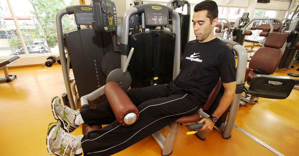 Treino B: cadeira flexora