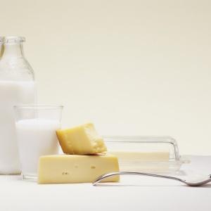 O problema surge devido a uma incapacidade de digerir lactose, o açúcar do leite