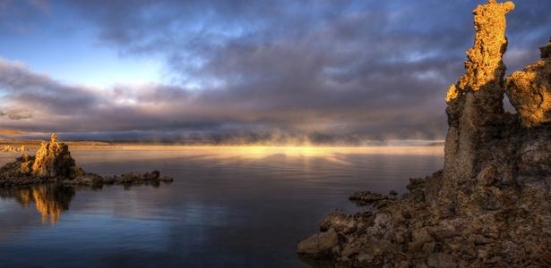 O lago Mono, na Califórnia, onde a Nasa encontrou uma bactéria diferente de tudo o que já foi visto
