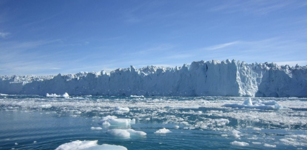 Imagem da Nasa mostra geleira na Groenlândia; veja no álbum do mês