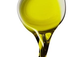 A Fundação Britânica para o Coração atualmente recomenda aos indivíduos trocar óleos ricos em gordura saturada, como manteiga e óleos de origem animal e de palma por outros ricos em gordura não saturada, como azeite de oliva