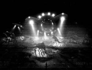 No filme Super 8, alienígena chega à Terra e faz contato com humanos