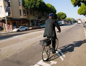 O pulmão dos ciclistas apresentou 2,3 vezes mais carbono preto em comparação aos pedestres