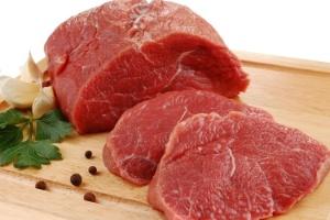 Antibióticos encontradas nas carnes podem ter aumentado causa de infecções urinárias nas mulheres