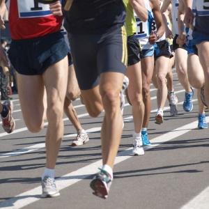 Entre os participantes do estudo, as dores lombares estão presentes em mais de 70% dos casos, seguidas das dores cervicais, que atingem 30% dos corredores