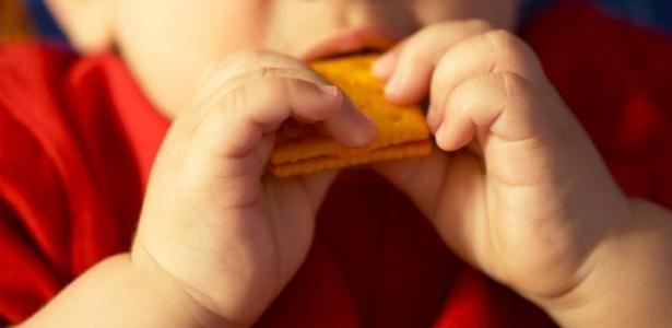 Carboidratos, como pão e massa, são os favoritos dos bebês que se alimentam com as mãos