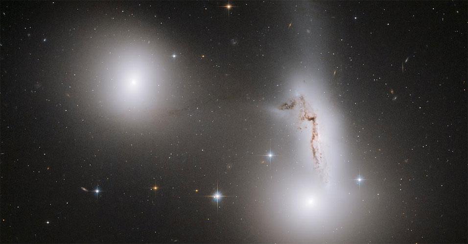 Galáxias em colisão