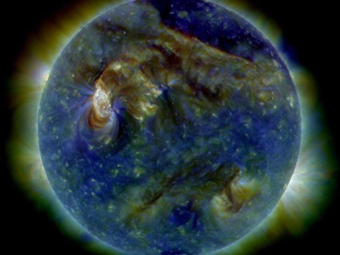 Nova erupção solar