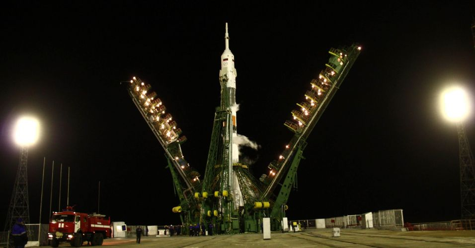 Soyus parte em direção à ISS