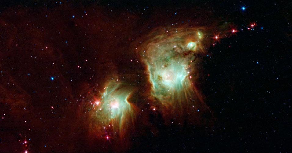 Nebulosa com par de óculos