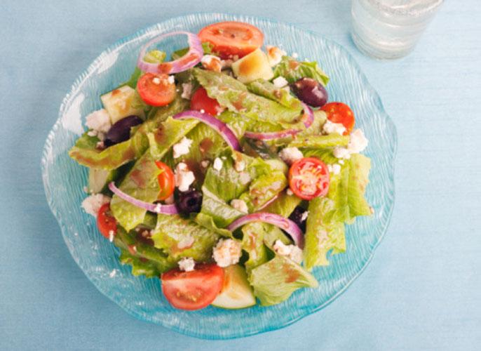 Sempre peça uma salada antes do prato principal
