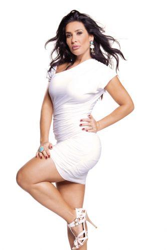 Corpo típico da brasileira, com bumbum e pernas grossas, faz bem à saúde