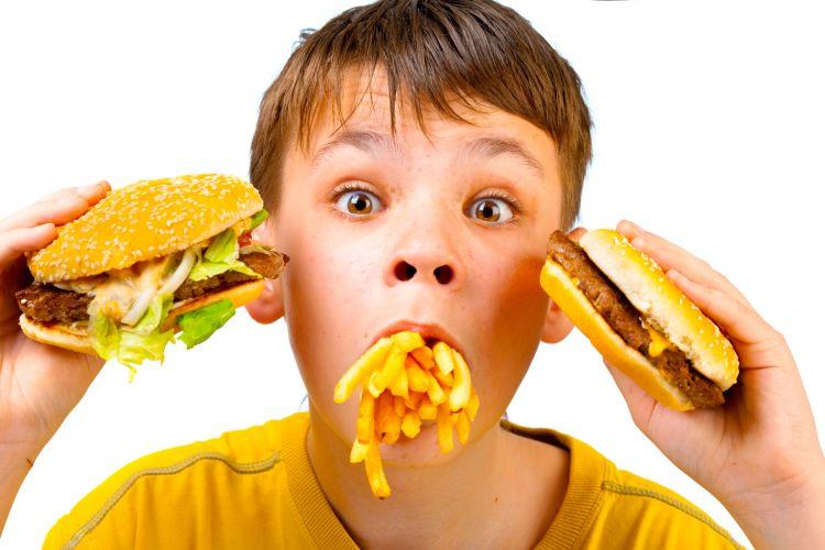 Comer rápido aumenta chance de obesidade