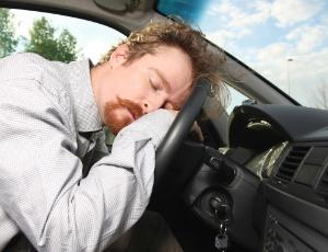 Em New Jersey, nos EUA, quem está acordado há mais de 24h e provoca acidente de trânsito com vítima fatal é julgado por homicídio doloso