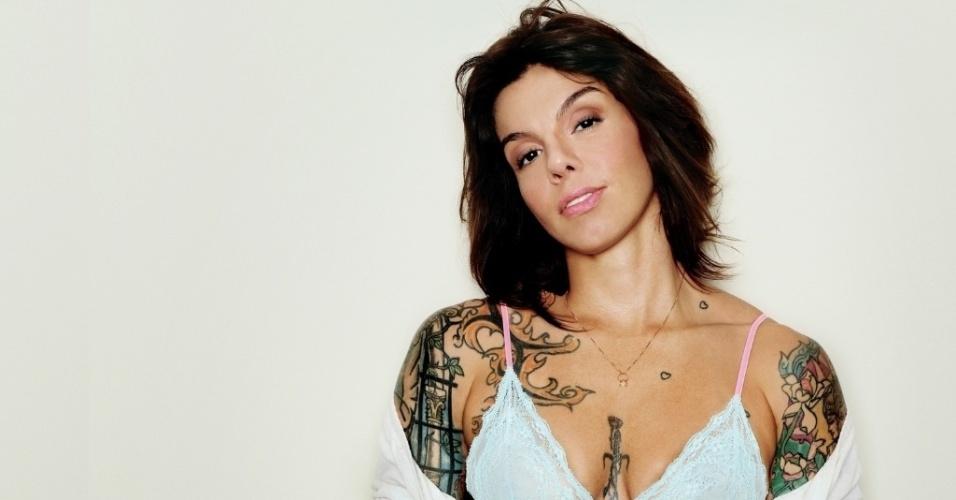 A apresentadora Penélope Nova, dona de 24 tatuagens
