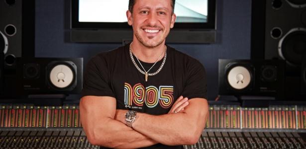 """O produtor Rick Bonadio chamou Marco Camargo de """"escroto"""" em entrevista à revista """"Sexy"""""""