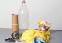 Materiais: garrafa pet, microtule, alpiste ou ração de gato, tesoura, lixa e fita isolante